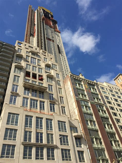 69-Story, 116-Unit Residential Tower Tops Out at 220 ...