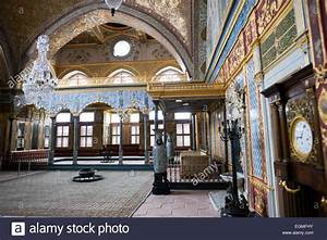 The ornately decorated Imperial Throne Room in the Harem ...