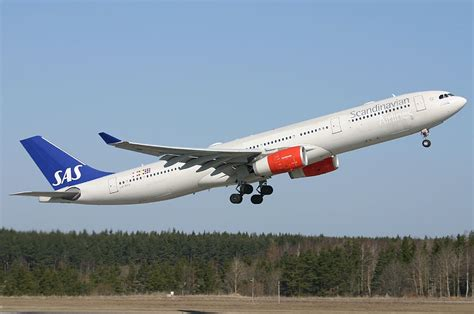 File:Airbus A330-343X, Scandinavian Airlines - SAS AN0831588.jpg - Wikimedia Commons