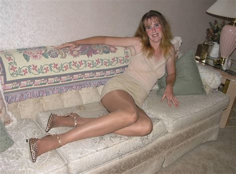 288434912 In Gallery Pantyhose Mature Older Milfs And