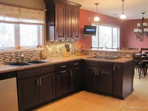 Kitchen Backsplash Ideas Cherry Cabinets by The Carlton Kitchen Cabinets In Cherry Russet From