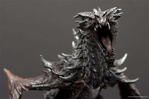 bethesda shows  skyrim collectors edition statuette