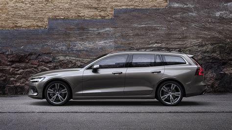 Volvo 2019 : 2019 Volvo V60 Is Your New Lustworthy Plug-in Wagon