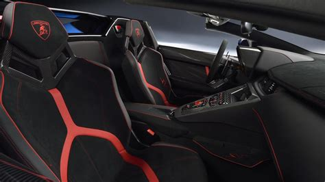 Lamborghini Aventador Sv Roadster Xy Le Magazine Des
