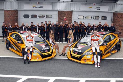Honda Civic Type R Drivers Rack Up Hat-trick Of Titles At