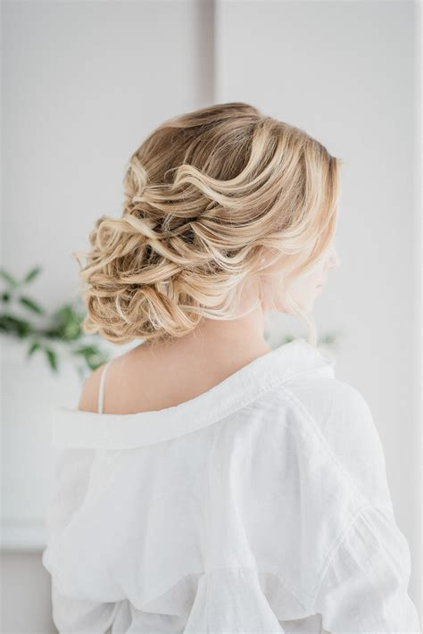 wedding day hair styles 9 expert tips for wedding day hair jenn kavanagh 9656