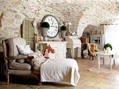 maison des femmes charme et brocante dans une maison en pierres