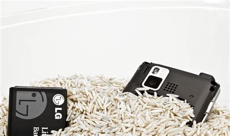 how do you leave your iphone in rice use rice to out a phone do it yourself fixes tested