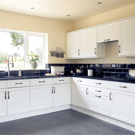 Black And White Kitchen  Kitchen Design Decorating