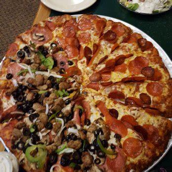 round table pizza corona ca round table pizza 33 photos 53 reviews pizza 7201