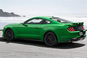 2019 Ford Mustang vs. 2019 Chevrolet Camaro: Which Is Better? - Autotrader