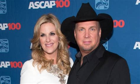 how did trisha yearwood and garth meet meet garth brooks daughters taylor august allie