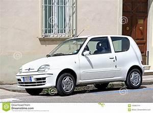 Fiat Seicento Immagine Stock Editoriale  Immagine Di Aperto