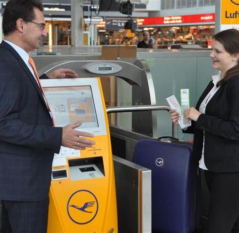 koffer kaufen münchen flughafen in m 252 nchen geben passagiere ihr gep 228 ck selbst auf welt