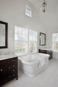 Nantucket dream home home bunch interior design ideas for Nantucket style bathrooms