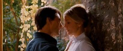 Tom Cruise Gifs Celebrity Film Kiss Kissing