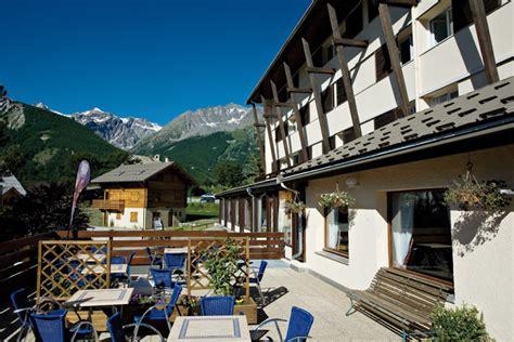 hotel club mmv l alpazur ŕ serre chevalier mountvacation fr