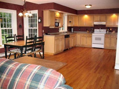 paint colors with medium oak cabinets kitchen paint