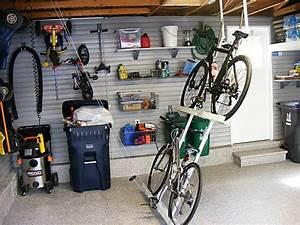 Rangement Plafond Garage : range outils de jardin et organisation du garage ~ Melissatoandfro.com Idées de Décoration
