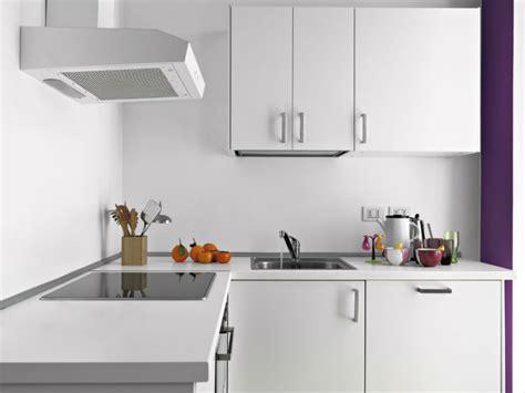 cout pose cuisine prix d 39 une hotte de cuisine et coût d 39 installation