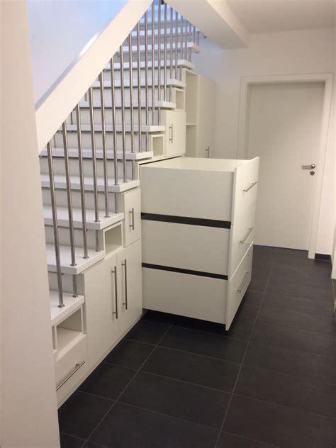 Einbauschrank Unter Der Treppe by Einbauschrank Unter Einer Treppe In Berlin Stauraumfabrik