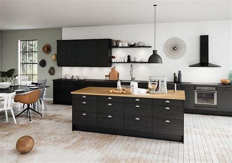 cuisine noir plan de travail bois cuisine bois plan de travail noir maison design bahbe com