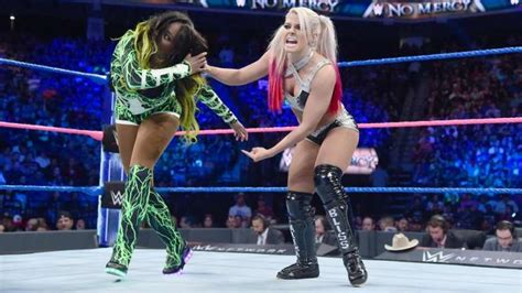 wwe news reason  naomi defeated alexa bliss   mercy