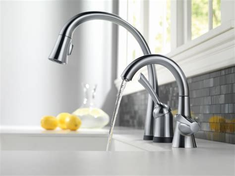 Faucet.com   980T AR DST in Arctic Stainless by Delta