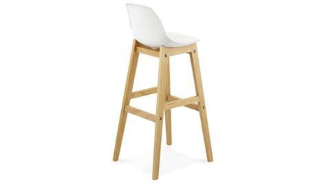 chaise de bar blanc ring tabouret de bar blanc pied bois naturel