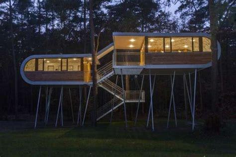 level treehouses hechtel eksel tree house