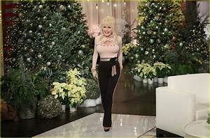 Dolly Parton Goes Christmas Crazy While Decorating For The