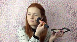 Beautiful Blind Girl Does Her Own Makeup And It39s