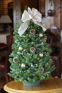 miniature tabletop tree decorating ideas family net guide to family holidays
