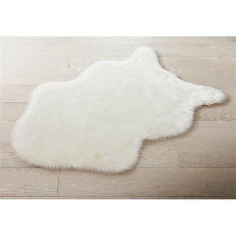 les tapis de cuisine tapis blanc peau mouton l 60 x l 90 cm leroy merlin