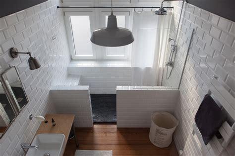 peinture blanche cuisine rétro salle de bain