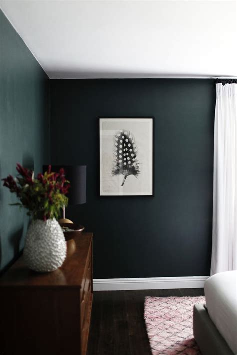 Green Walls In Bedroom by Green Walls In Minimalist Bedroom Spaces And Gems