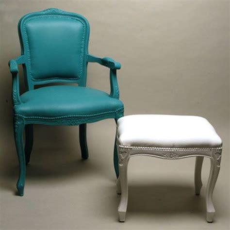 peindre canapé tissu les 131 meilleures images à propos de restauration meuble