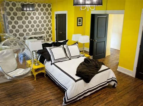 sketch  yellow wall paint  create cheerful  fraesh