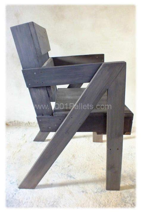 chaise en bois de palette chaise en bois de palette pallet chair pallet benches