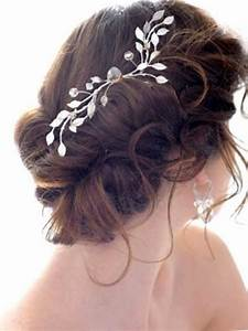 The Most Trendy Wedding Hair Accesories And Wedding