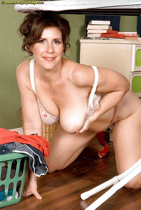 Mature And Milf Moms Photos 20 Pic Of 59