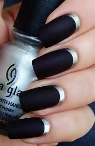 Nail designs black gotich silver design purple and red