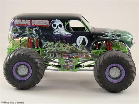 gravedigger monster truck video grave digger monster truck awesome links amp information