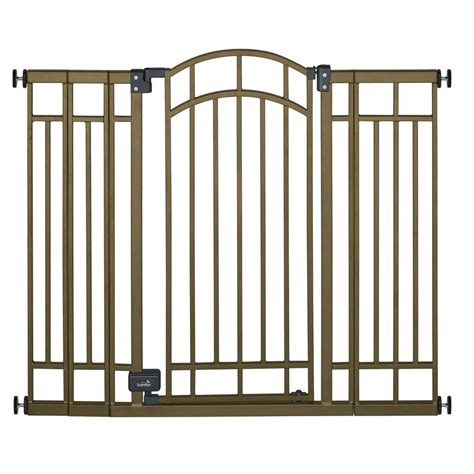 summer infant 36 in swing closed child safety gate 07600 the home depot