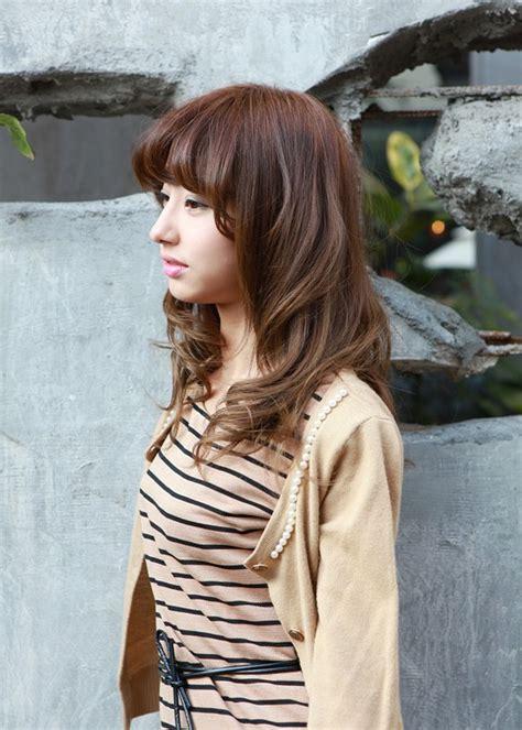 asian girls shoulder length wavy hairstyle  full bangs hairstyles weekly