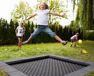 Trampolin Für Kinderzimmer : die besten 25 bodentrampolin ideen auf pinterest trampoline unterirdisches trampolin und ~ Frokenaadalensverden.com Haus und Dekorationen