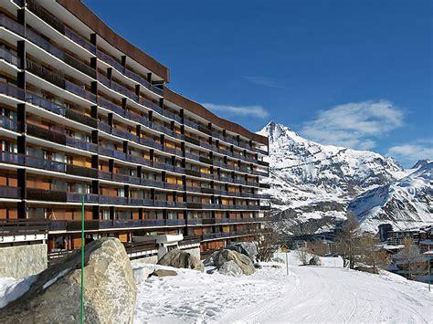 ski chalets in tignes tignes ski chalets and apartments j2ski
