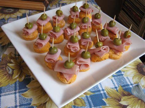 recettes canap駸 faciles les douceurs de genny canap 201 s jambon olive sur petit biscuit