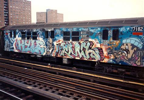 Graffiti Train : The White Rabbit