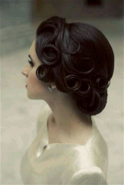 dainty vintage updo hairstyles pretty designs
